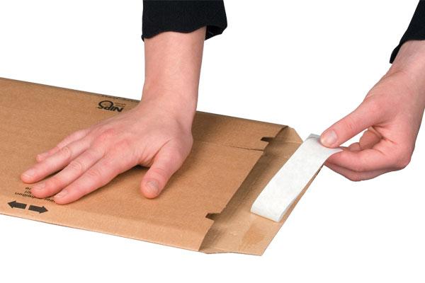 NIPS SAFE-WELL Versandtasche mit Selbstklebeverschluss für einfaches und sicheres Verschließen