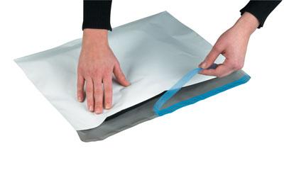 POSTASAFE Polyethylen Versandtaschen Extrastark-Plus mit Selbstklebeverschluss für einfaches und sicheres Verschließen