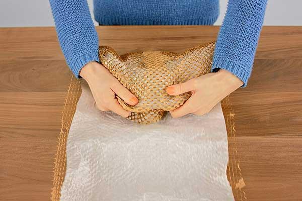NatureWrap Polstermaterial Schritt 3 Einwickeln
